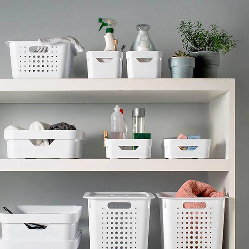 organizando com cestas plásticas
